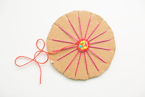 9-cardboard-circle-weaving-kids